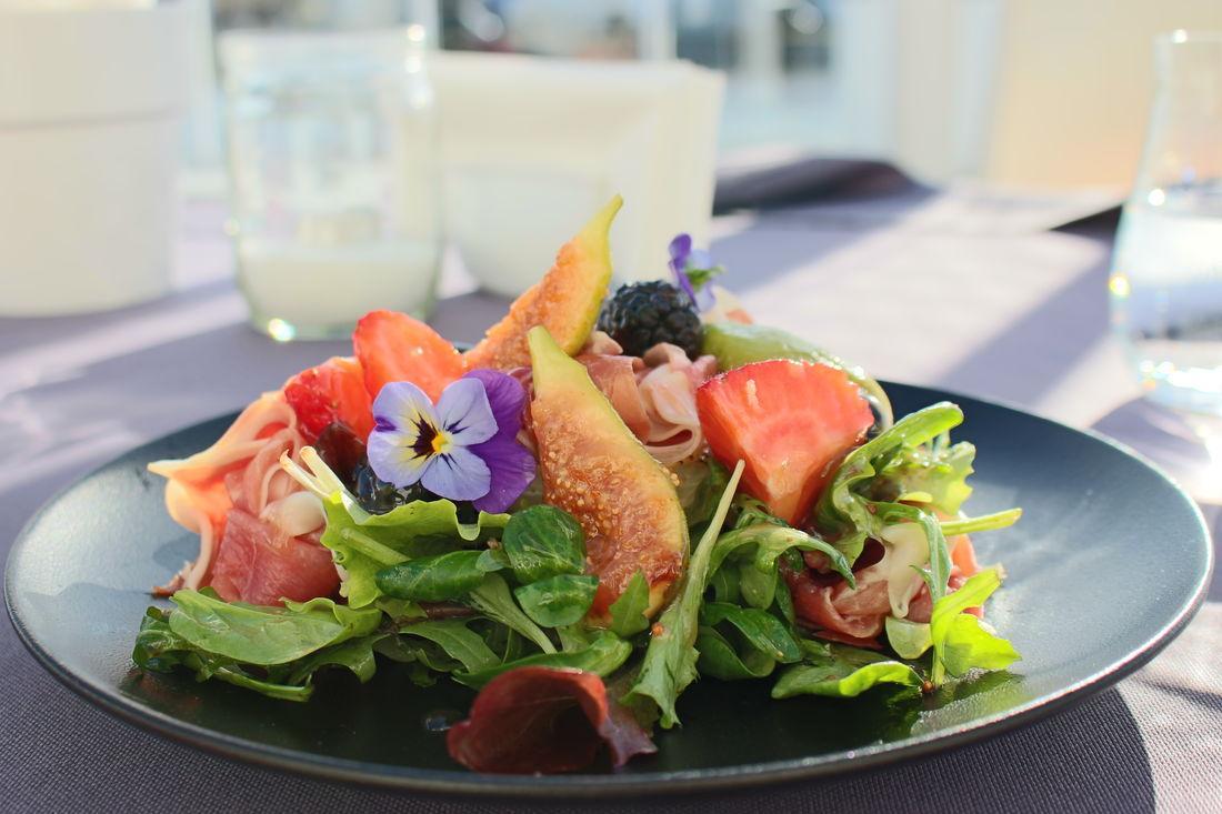 необычная подача салатов в ресторанах фото петрова был своё
